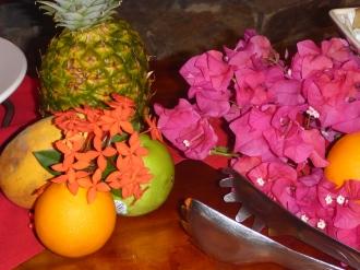 Godsaker på dessert bordet på den fantastiska karibiska buffén, som Jonas och Elisabeth bjöd på