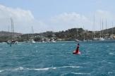 Blåsigt, blåsigt i Falmouth Harbour